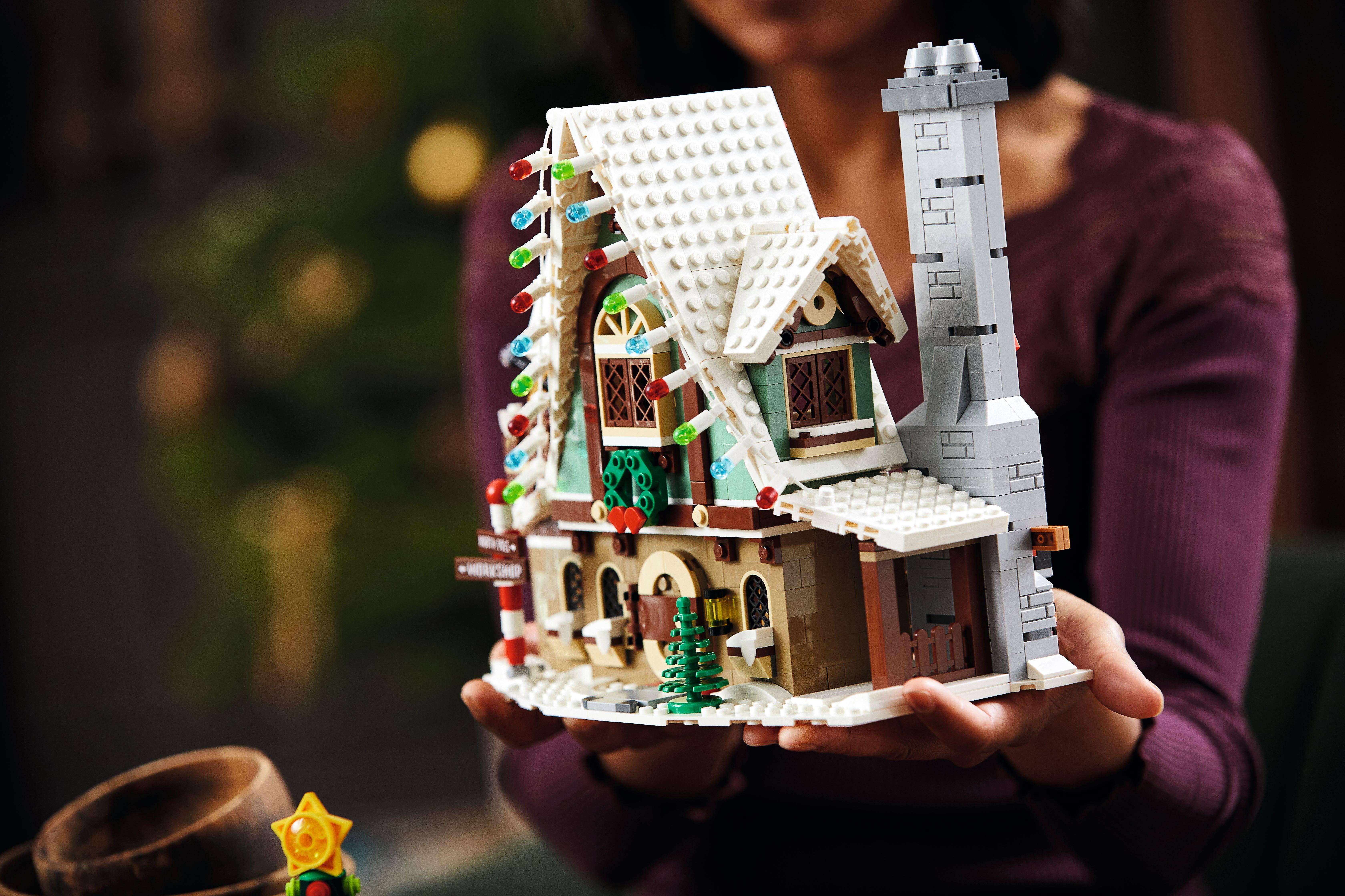 New LEGO Reindeer Christmas Santa Winter Village Elf Club House Set 10275