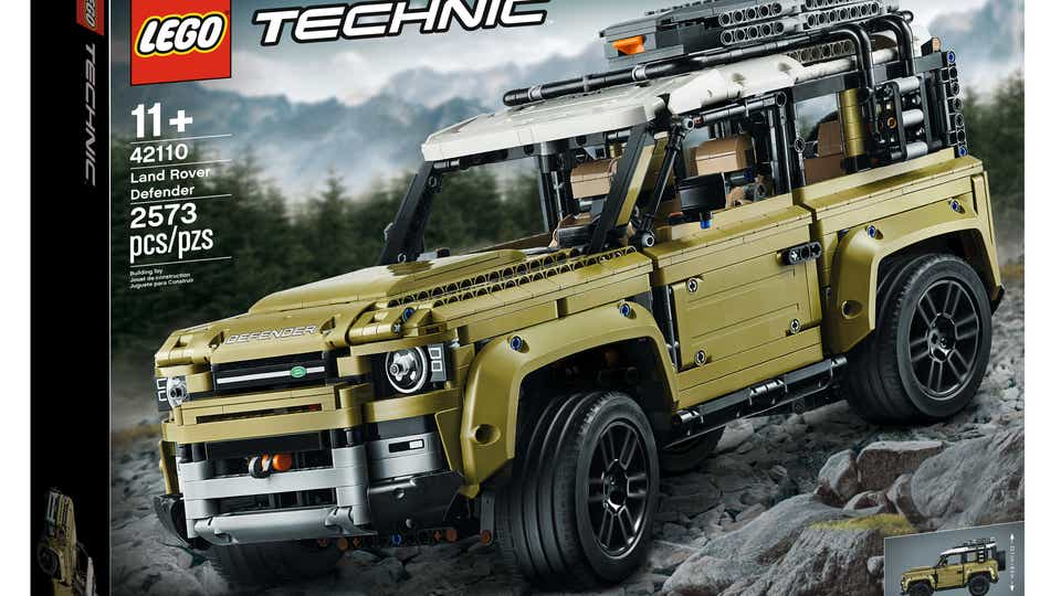 Image of a LEGO TECHNIC LAND ROVER Defender product box