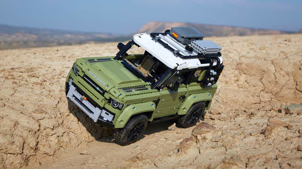 Image of LEGO TECHNIC LAND ROVER Defender model