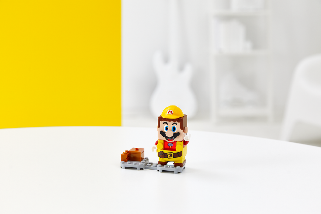 Image of LEGO Super Mario with Builder Mario Power-Up Pack