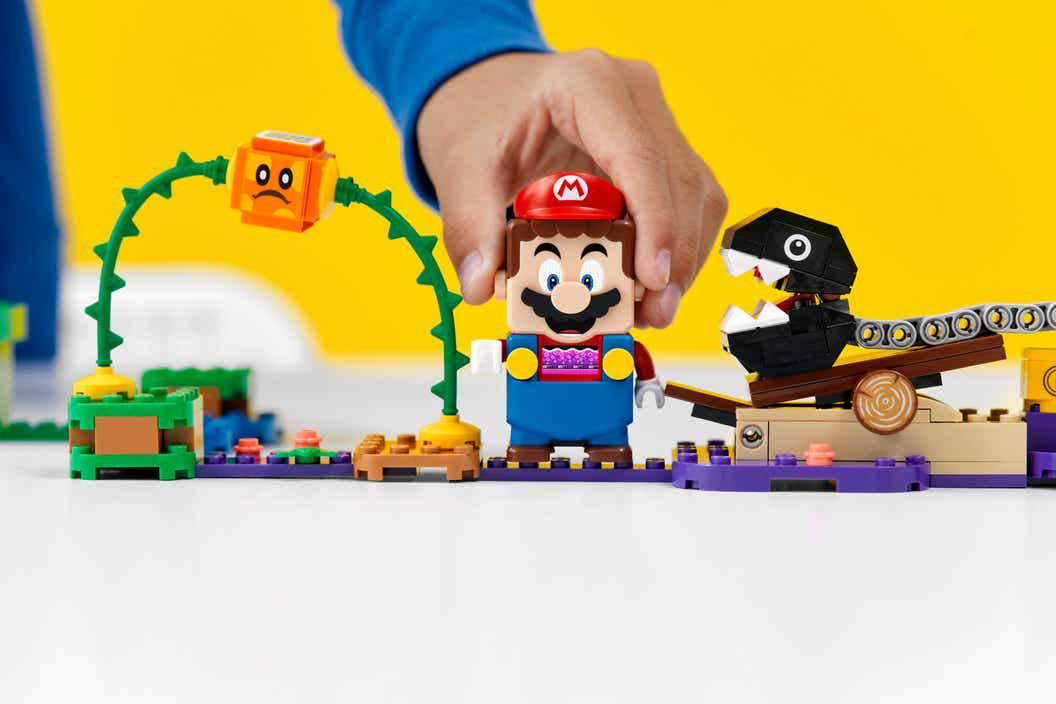 Image of LEGO Super Mario standing on purple poison