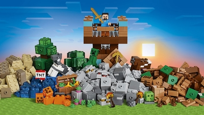 LEGO Minecraft - 21135 The Crafting Box 2.0 -  Boost your creativity and create your own customized Minecraft™ landscapes with shelters, towers, mines and farms with this big Crafting Box!