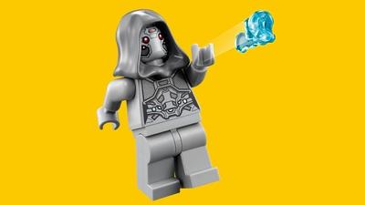 LEGO Super Heroes - 76109 Quantum Realm Explorers - A grey minifigure shoots an icy blue stud shoot.