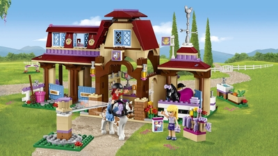LEGO Friends - 41126 Heartlake Riding Club - Help Mia and Stephanie train and groom the horses at the riding club.