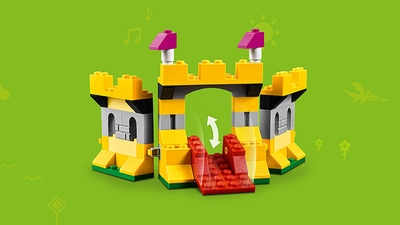 LEGO Classic Bricks Bricks Bricks - 10717 - Build yellow miniature fortress with a red drawbridge.