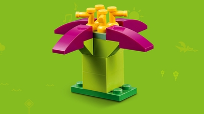 LEGO Classic Bricks Bricks Bricks - 10717 - Build a pretty flower with dark pink petals and orange stamen.