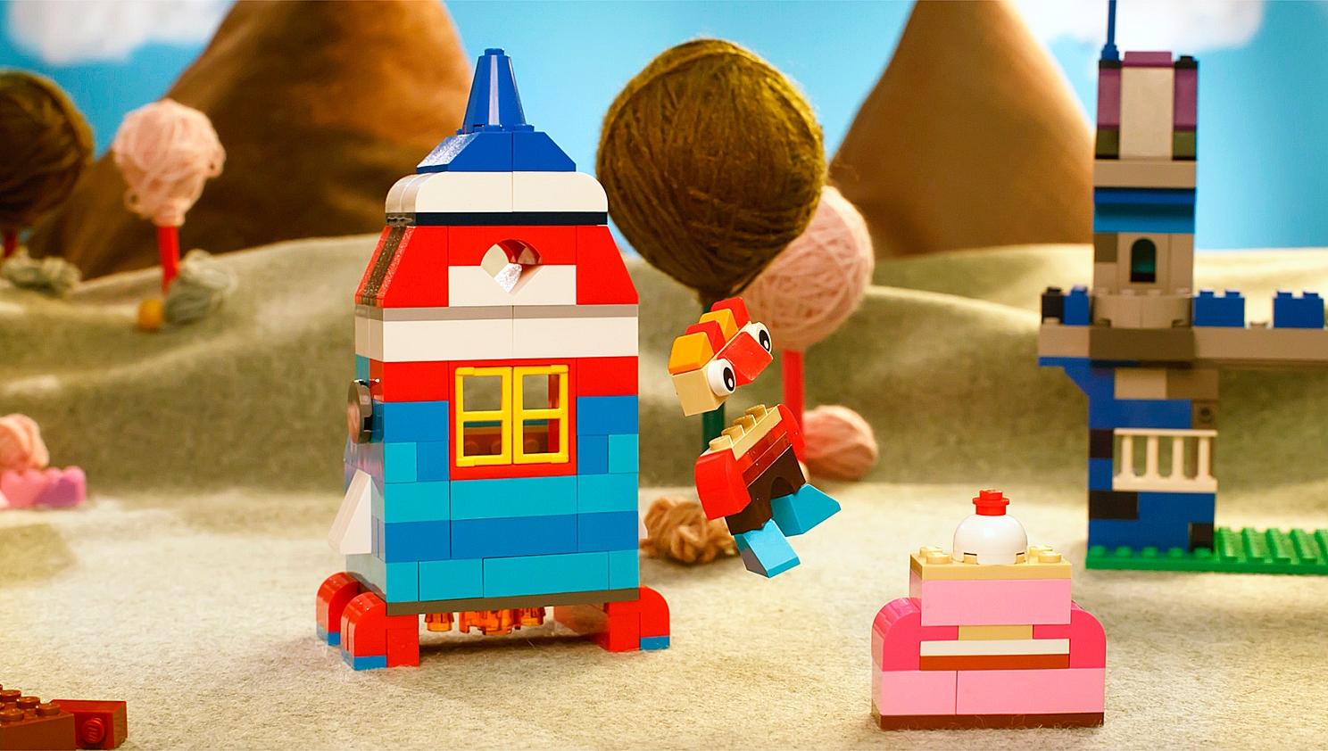 LEGO® Classic   Build fun stuff with LEGO® bricks