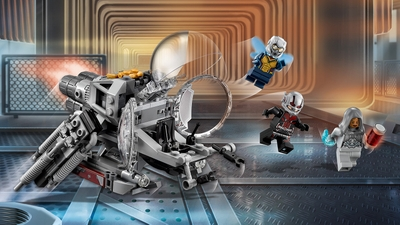 LEGO Super Heroes - 76109 Quantum Realm Explorers - Pilot the Quantum Vehicle with Ant-Man and team up with The Wasp to take on Ghost!