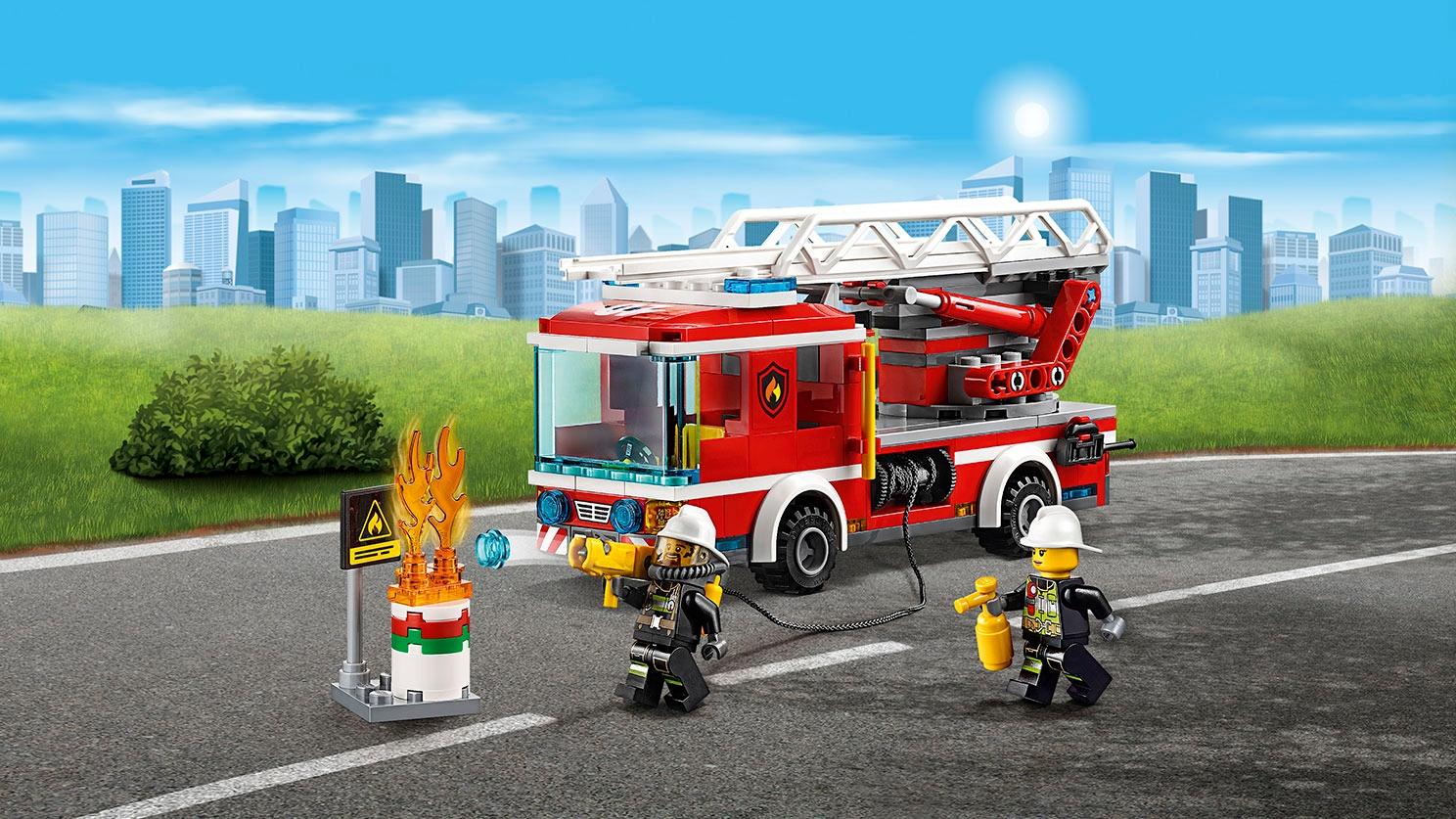 LEGO City hasičské auto a minifigurky - Hasičské auto s žebříkem 60107
