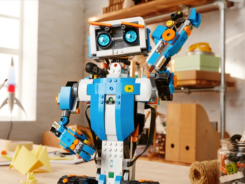 Robots Sidekick Tall intro