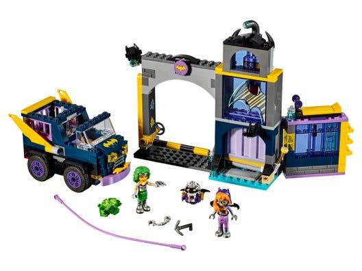 Batgirl Secret Bunker 41237 Dc Buy Online At The Official Lego Shop Pt