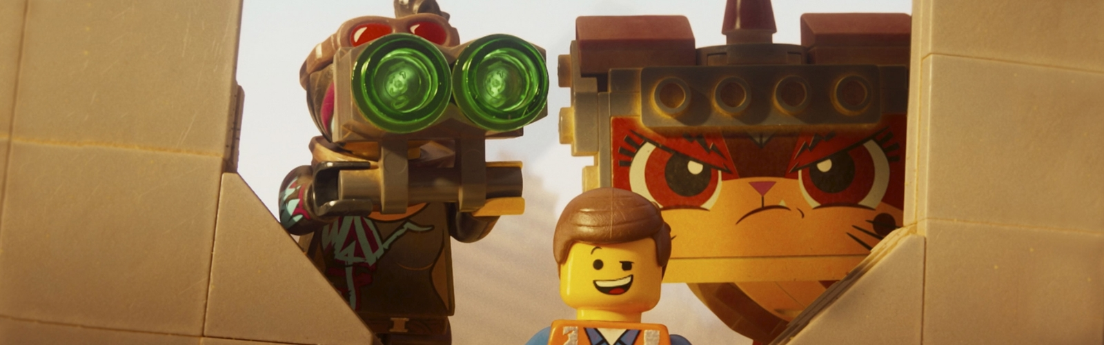 Emmet e Lucy THE LEGO MOVIE 2 in posa