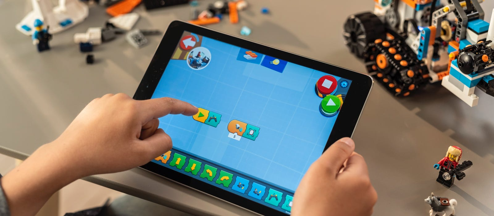 Tablet showing app with LEGO® BOOST