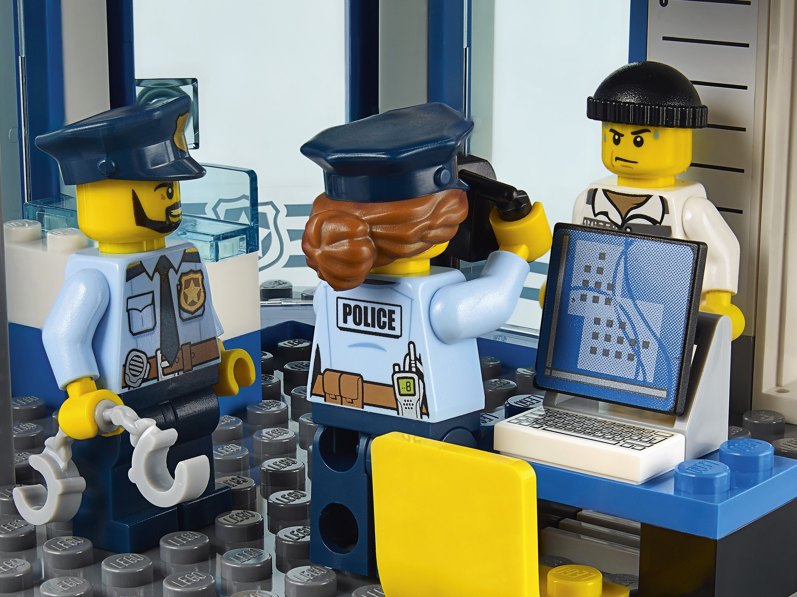 2 Lego Vintage Police Officers figures bikes town cop Motorcycles Minifig Lot