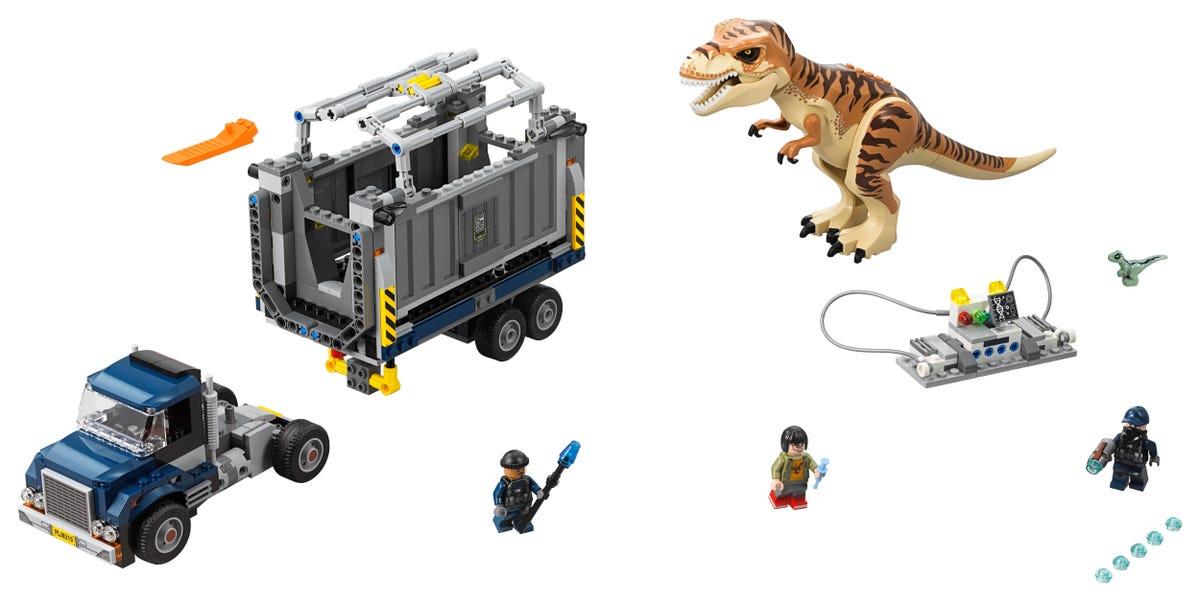 Transporte Del T Rex 75933 Jurassic World Oficial Lego Shop Ar Con lego puedes construir tus juguetes de dinosaurios preferidos bloque a bloque, siguiendo los pasos recomendados en cada caja o experimentando con tus propias creaciones. transporte del t rex 75933 jurassic